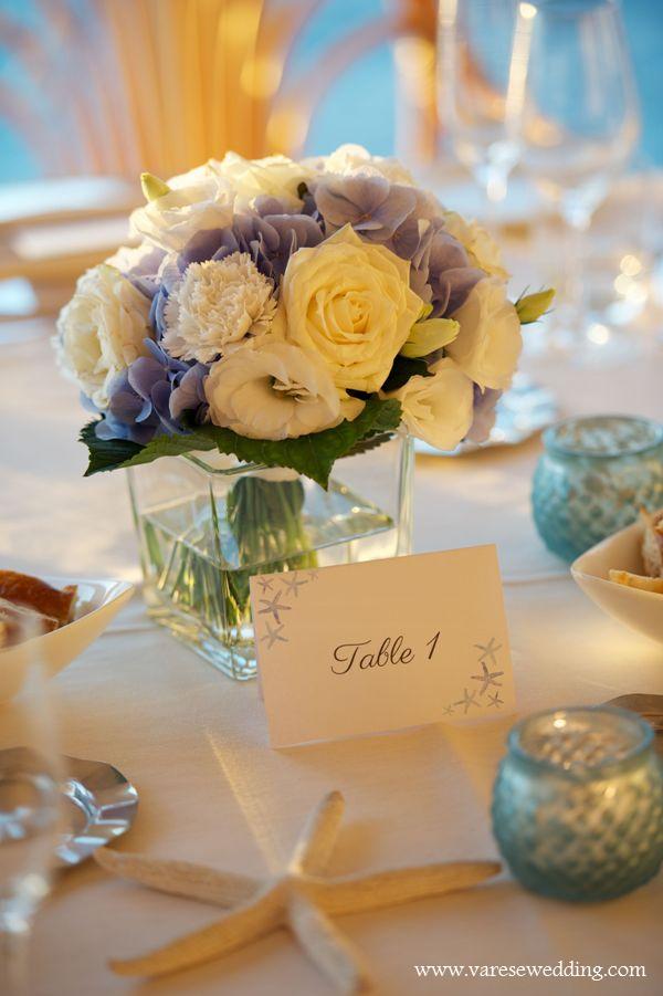 blue_hydrangea_and_seastars_beach_theme_wedding