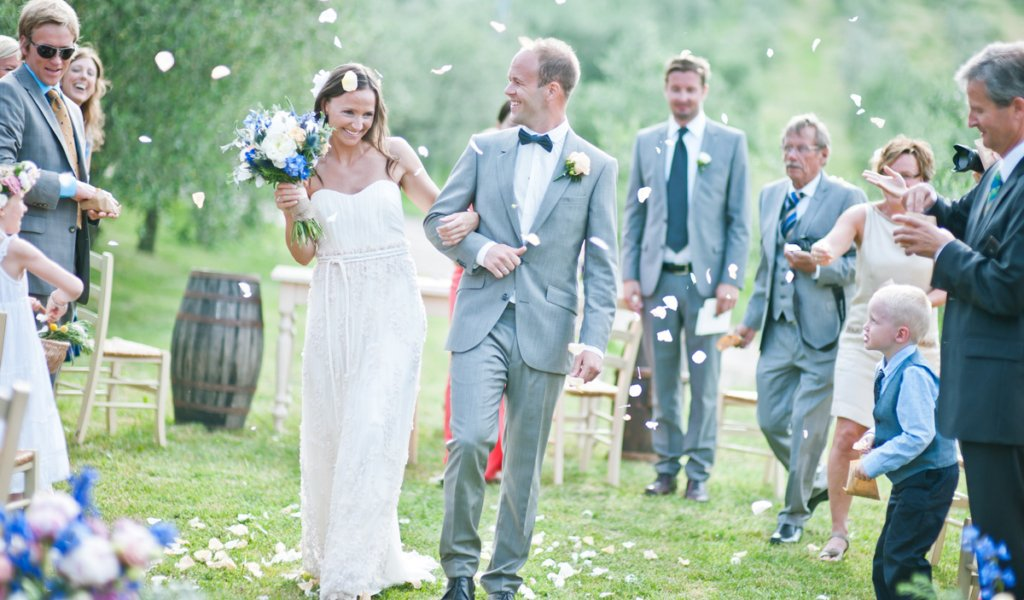 Tuscany outdoor wedding ceremony