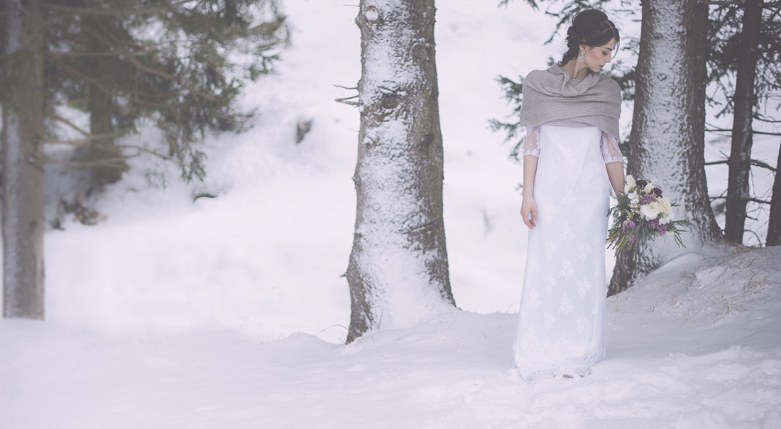 Snow winter wedding Italy