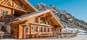 10 Must-See Winter Wedding Venues in Italy - mountain hut