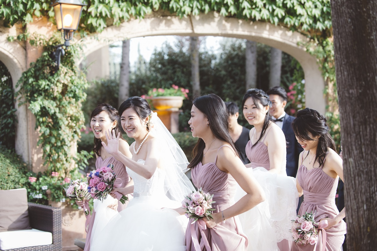 bride and bridesmaid tuscany wedding