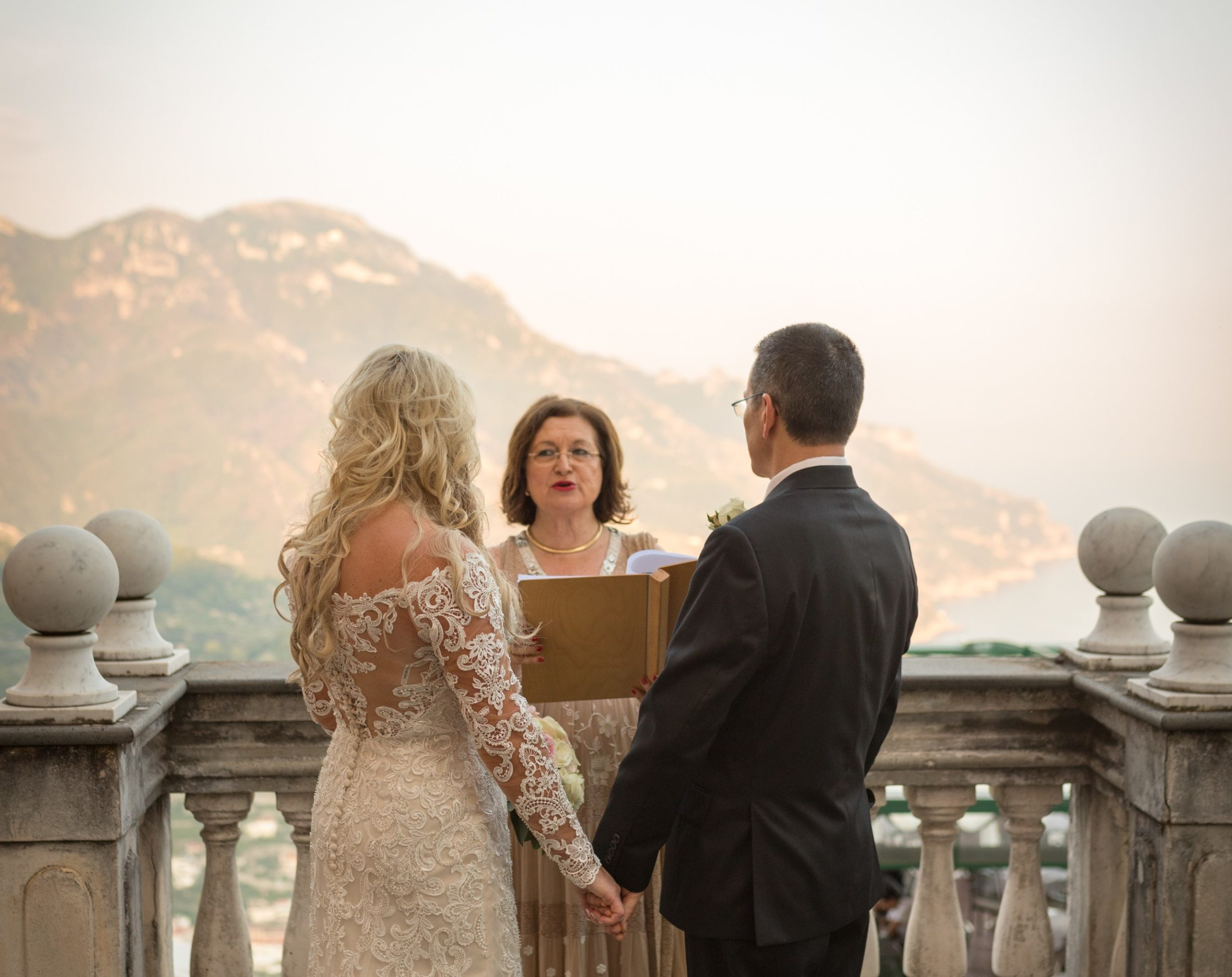 Read more about the article Sunset Wedding Ceremony on the Amalfi Coast
