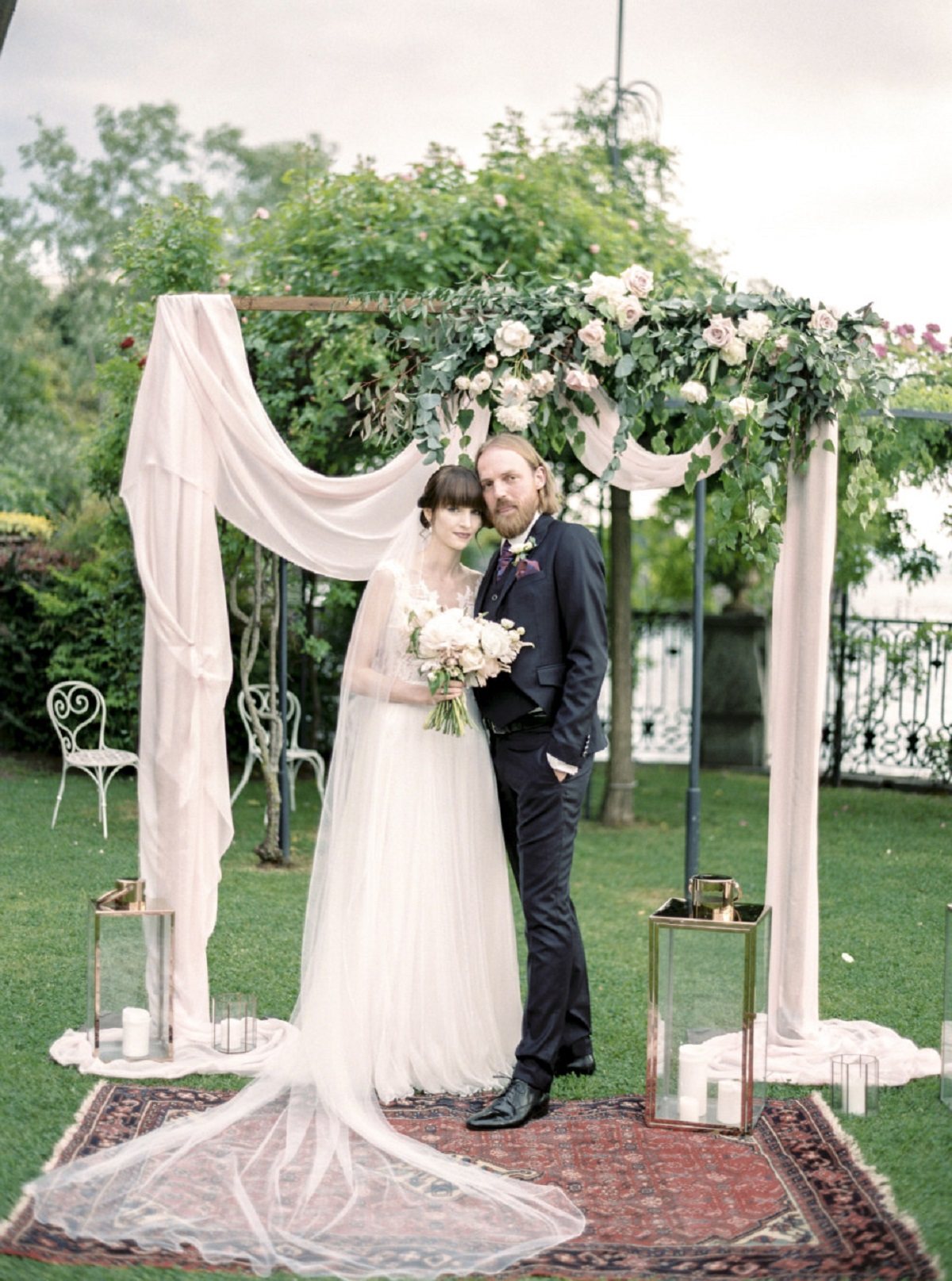 MODERN_SQUARE_WEDDING_ARCH